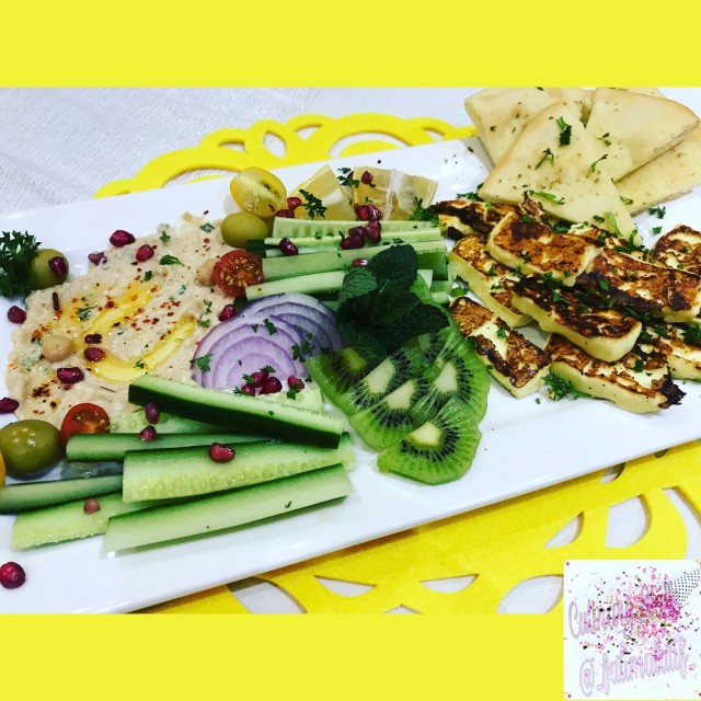 Grilled Halloumi And Flatbread Platter