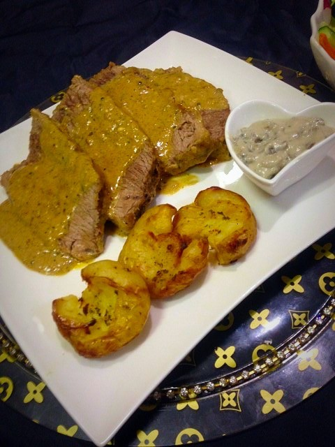 Fillet Steak,roasted Smashed Potatoes,mushroom Sauce