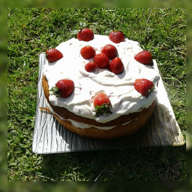 Strawberry Amp Cream Sponge Recipe By Najiya