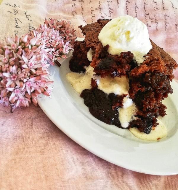 Self-saucing Chocolate Pudding