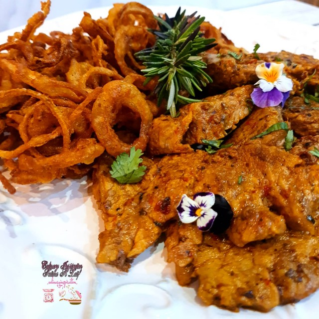 Chilli Pepper Fillet And Crispy Onion Rings