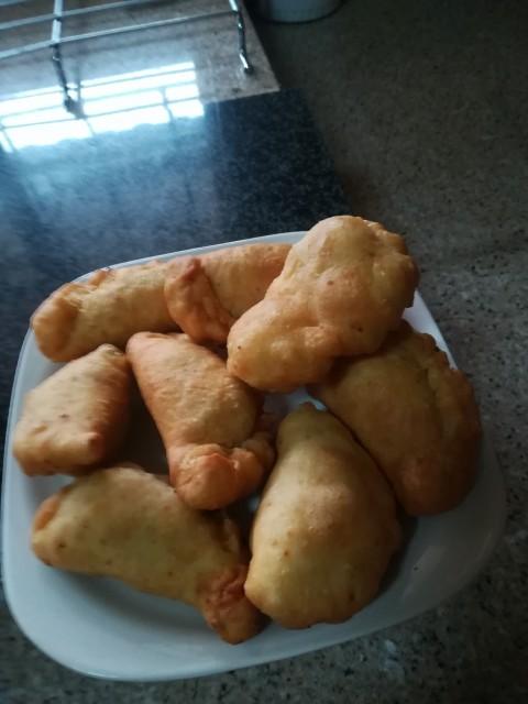 Cheesy Puri Puffs