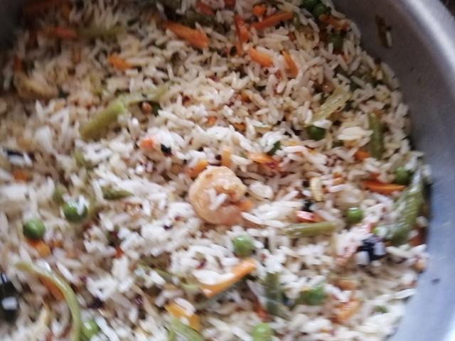 Malai Chicken And Prawn Stirfry Rice