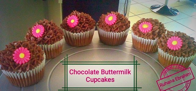 Chocolate Buttermilk Cupcakes