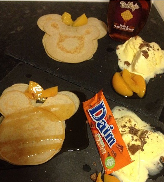 Minnie Mouse Pancakes/crumpets
