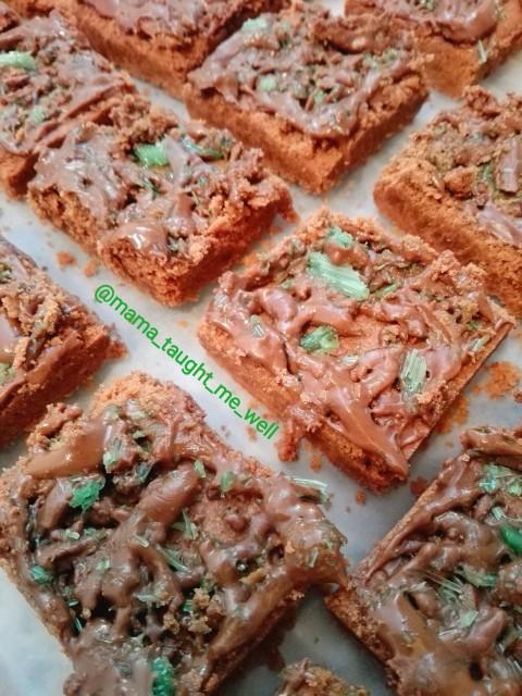 Chocolate Peppermint Crisp Squares