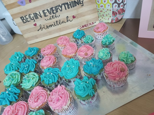 Rose And Bubblegum Cupcakes
